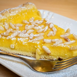 Torta Ai Pinoli