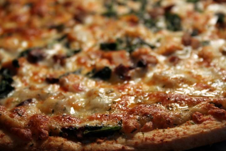 pizza tonno spinaci